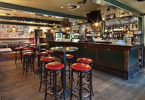 Барные стулья  и табуреты для ресторанов, баров и кафе.