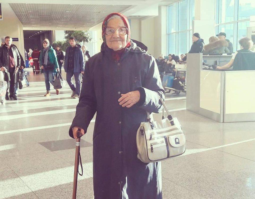 Прославившаяся в соцсетях бабушка-путешественница вновь отправилась в путь