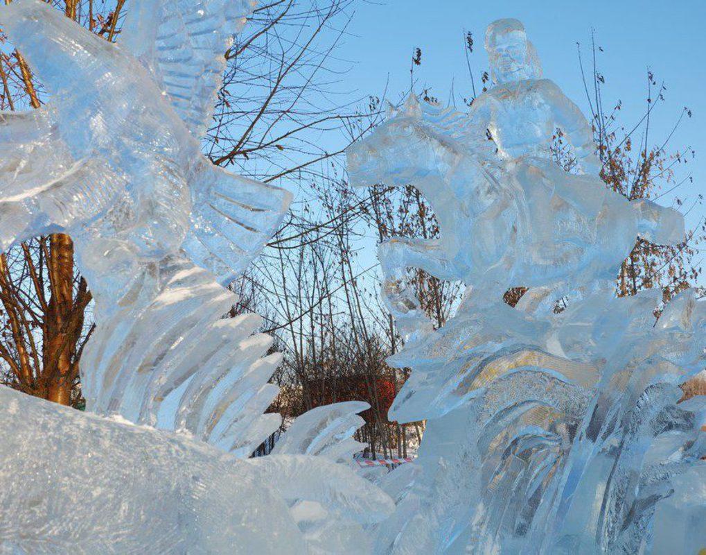 В Татышев-парке демонтируют ледовый городок