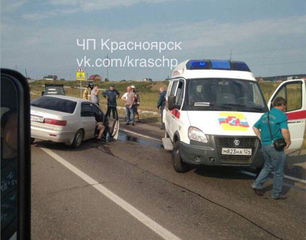 На въезде в Красноярск пьяный пенсионер устроил ДТП с иномаркой