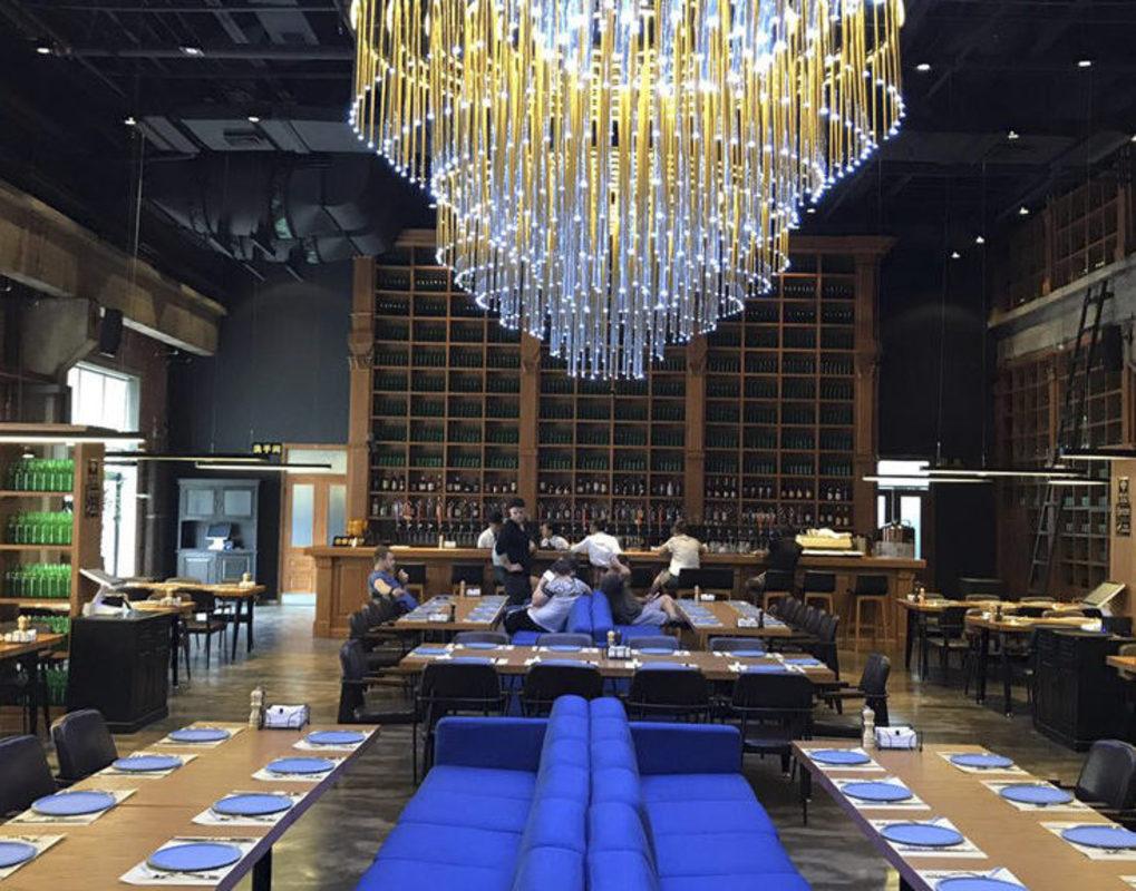 Красноярские бизнесмены открыли в Китае пивной ресторан