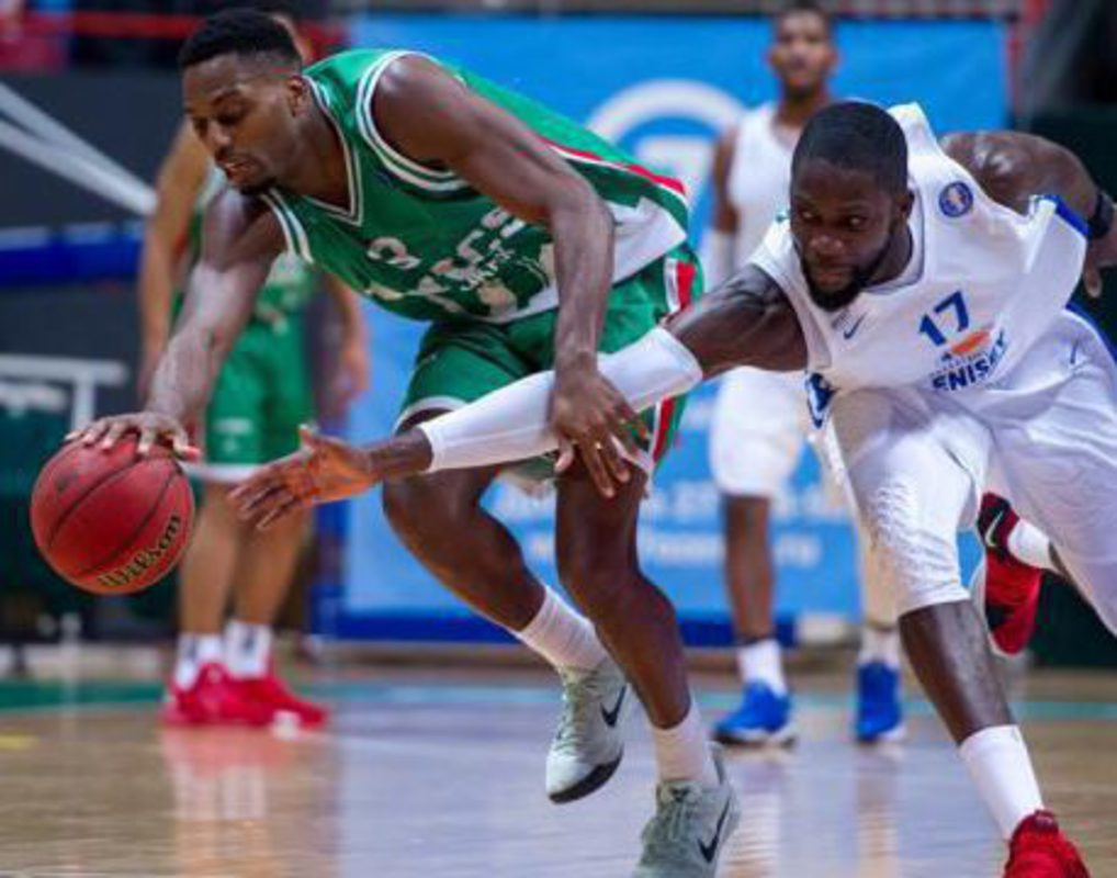 Баскетбольный «Енисей» уступил казанскому УНИКСу