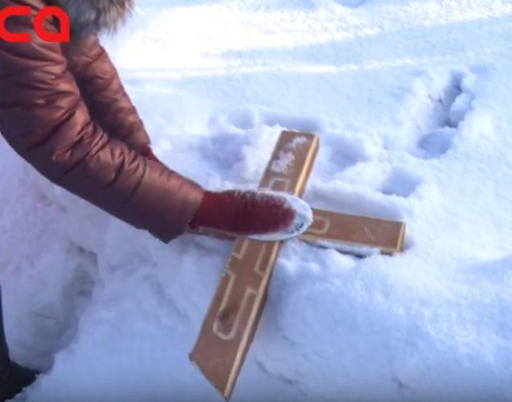 В Ачинске неизвестные устроили погром на городском кладбище