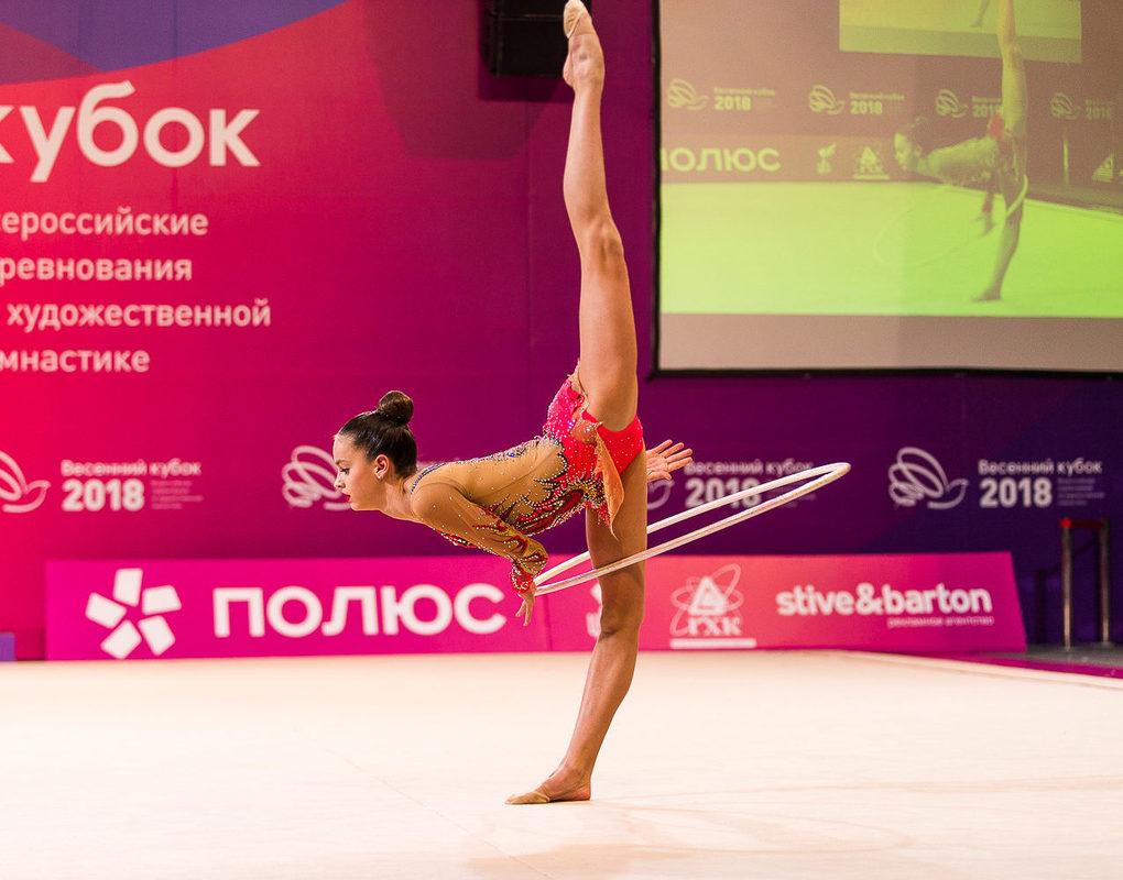 Красноярские гимнастки принесли в город весну