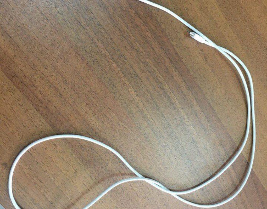 В Красноярске отчим избил 4-летнюю падчерицу шнуром от зарядки