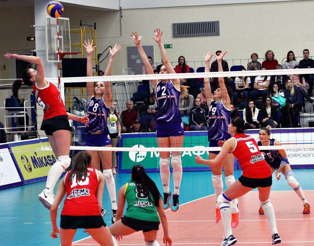 Женский волейбольный «Енисей» победил в первом матче за бронзу чемпионата России