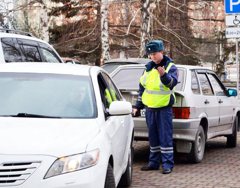 Красноярец дал машину подростку и получил штраф