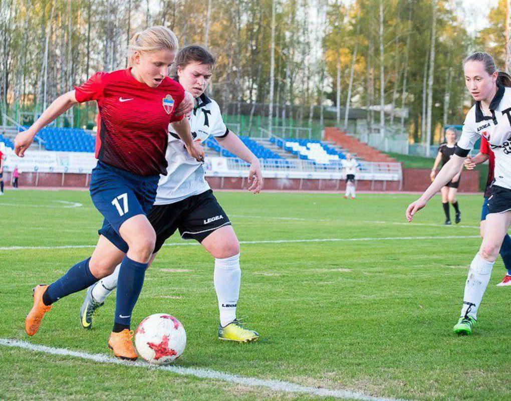 Женский футбольный «Енисей» одержал первую победу в сезоне