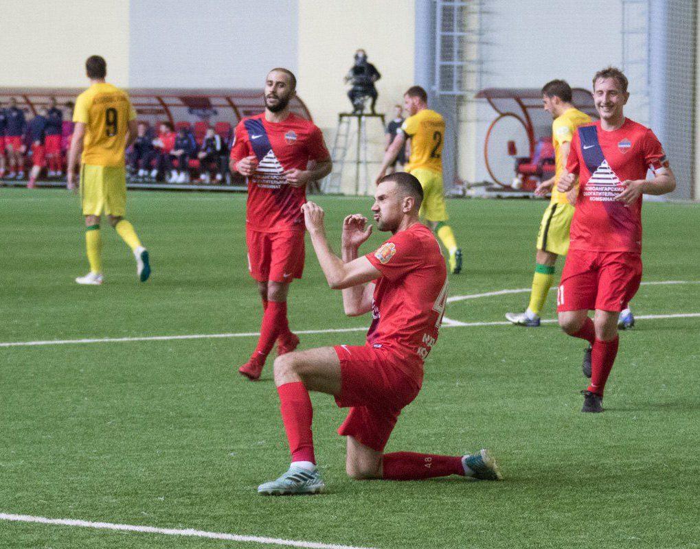 Футбольный «Енисей» разгромил «Анжи» в первом стыковом матче