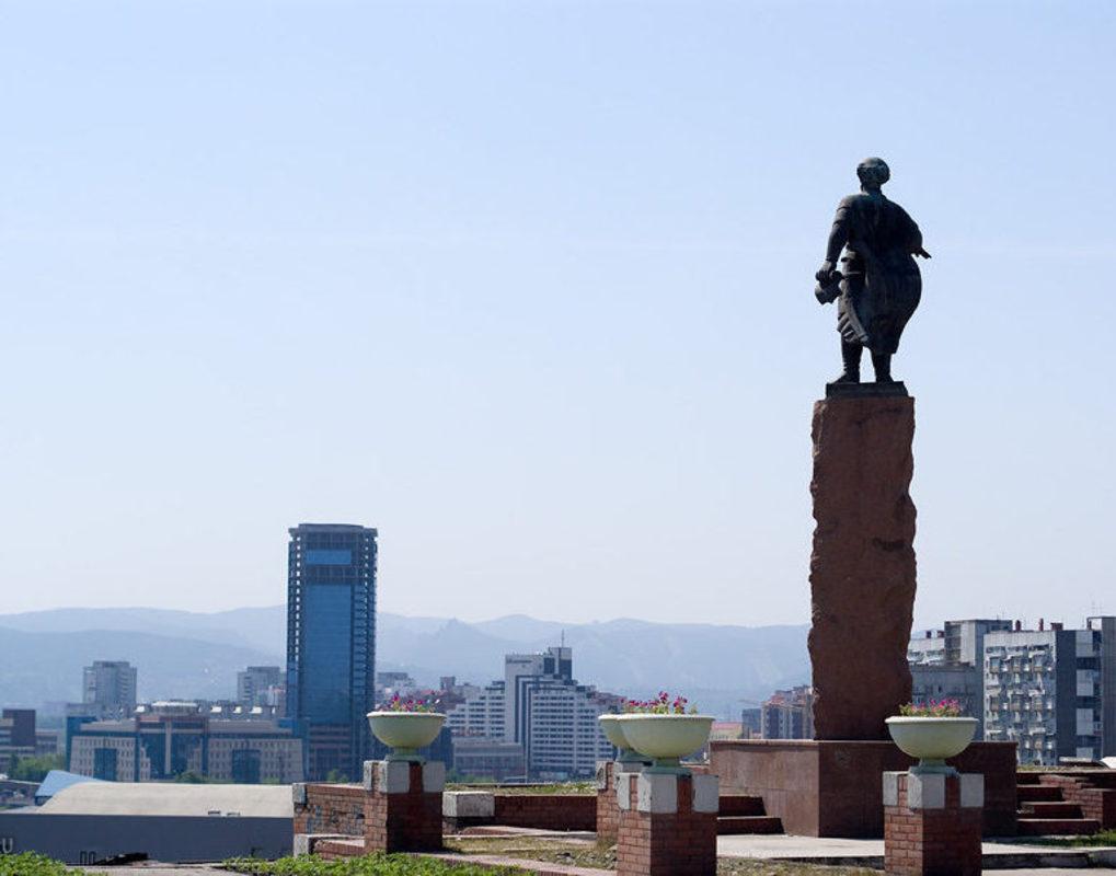 В Красноярске отремонтируют видовую площадку у памятника Дубенскому