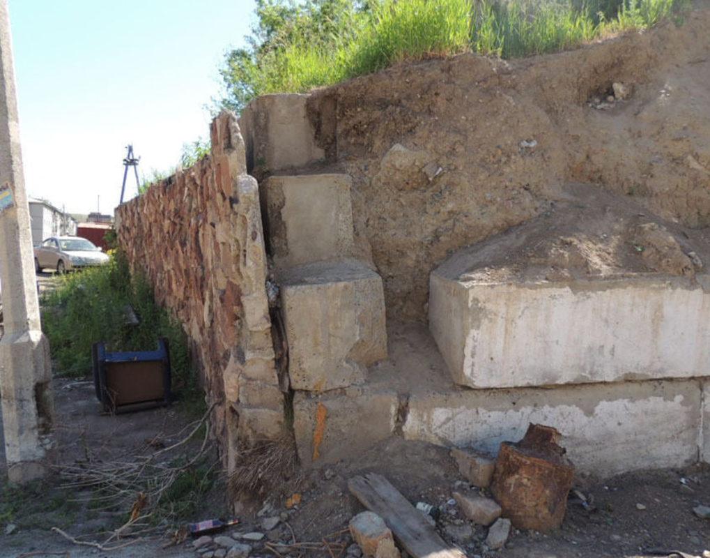 В Красноярске отремонтируют еще 20 подпорных стен