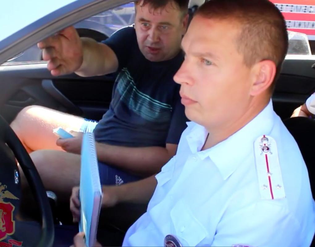 В Ачинске на заказ приехал пьяный таксист
