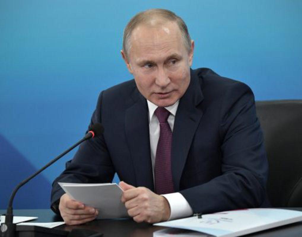 Путин поручил исключить отставание в подготовке к Универсиаде-2019