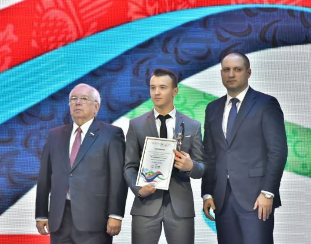 В Красноярске наградили лауреатов премии Паралимпийского комитета России