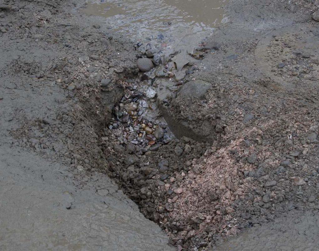 Прокуратура заставила мэрию отремонтировать дорогу в Красноярске