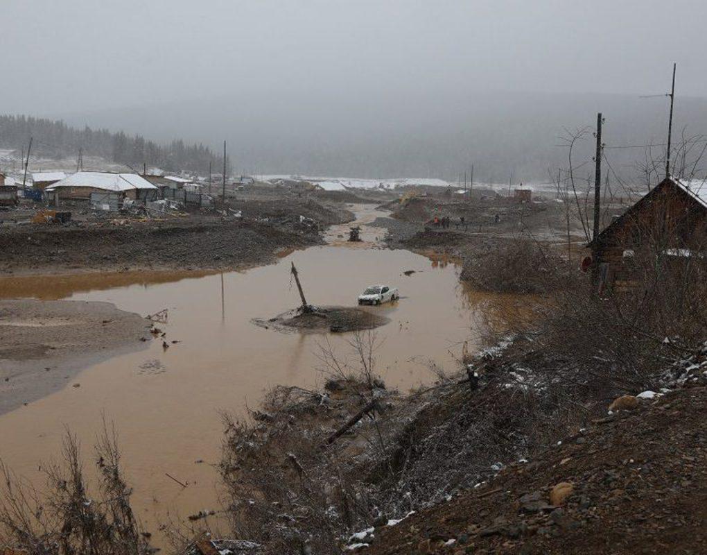 В Курагинском районе продолжаются поиски пропавших при прорыве дамбы