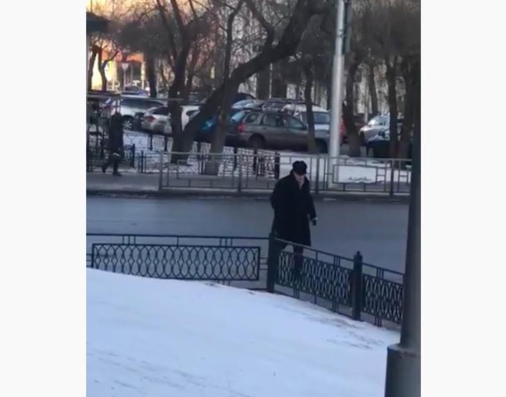 Депутат Заксобрания нарушил ПДД около Заксобрания, торопясь на сессию Заксобрания