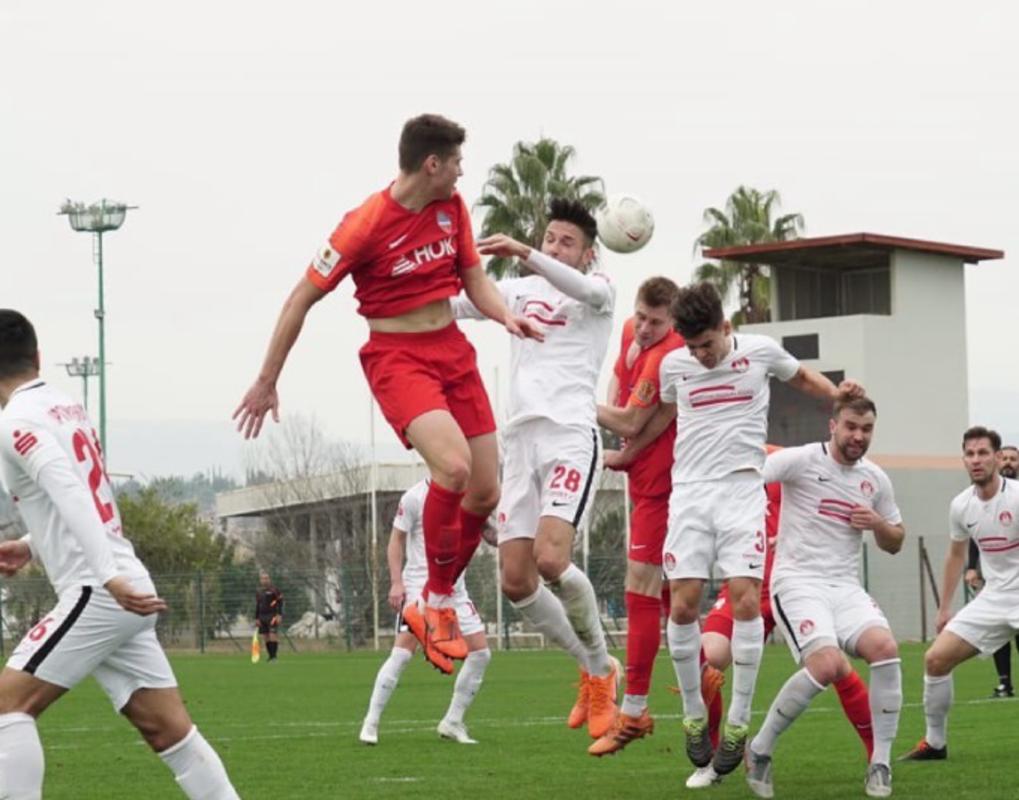 Футбольный «Енисей» сыграл в Турции против команд из ФРГ и Латвии