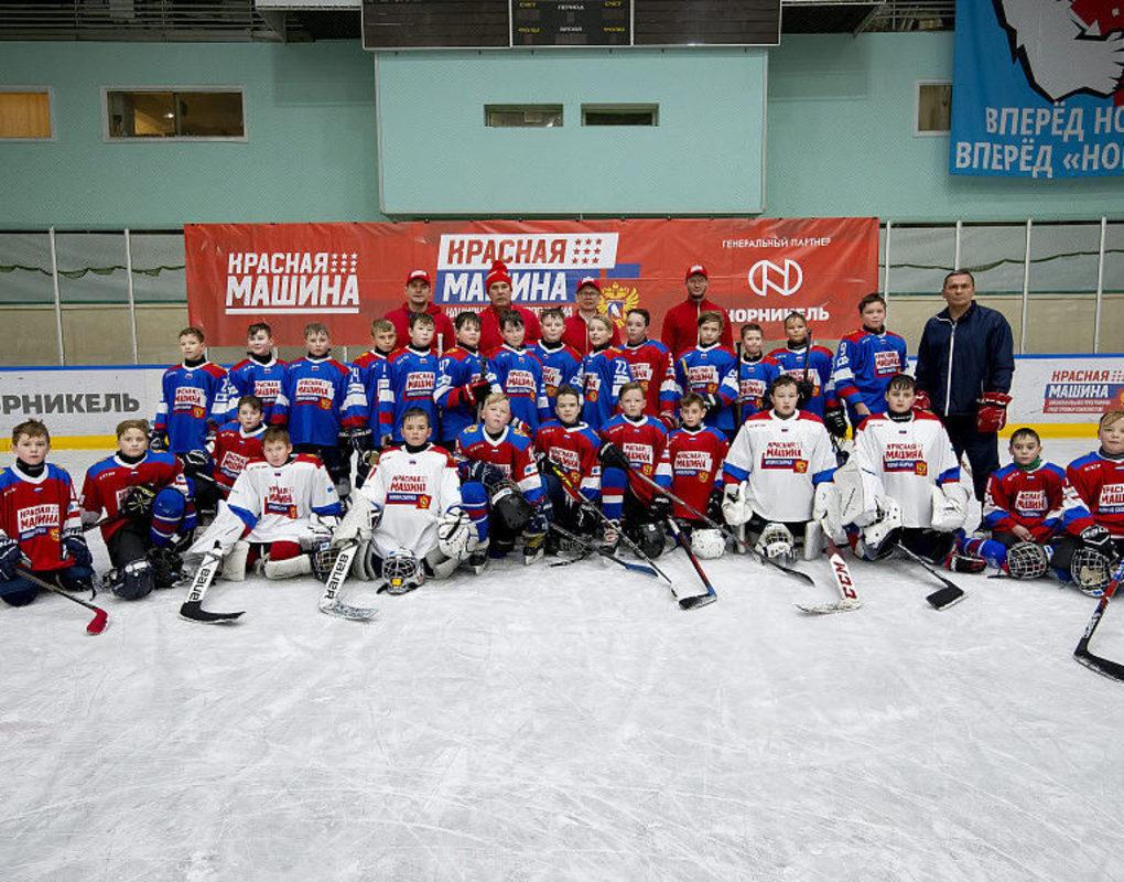 В Норильске прошел семинар для хоккейных тренеров и судей