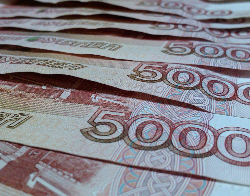 Жителя Эвенкии заставили найти работу из-за долга в 7 млн рублей