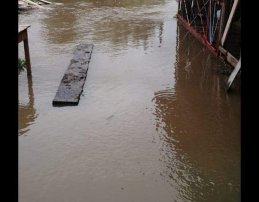 Дачные участки под Красноярском оказались под водой из-за дождей