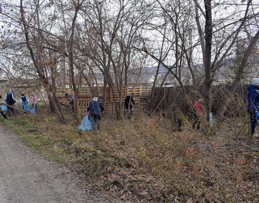 На улице Краснопресненская провели уборку