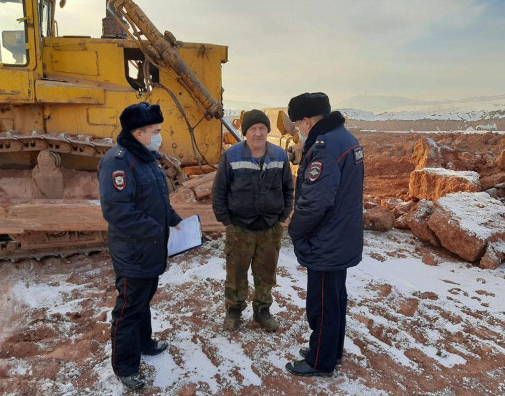 Полиция заинтересовалась незаконным карьером в Солонцах