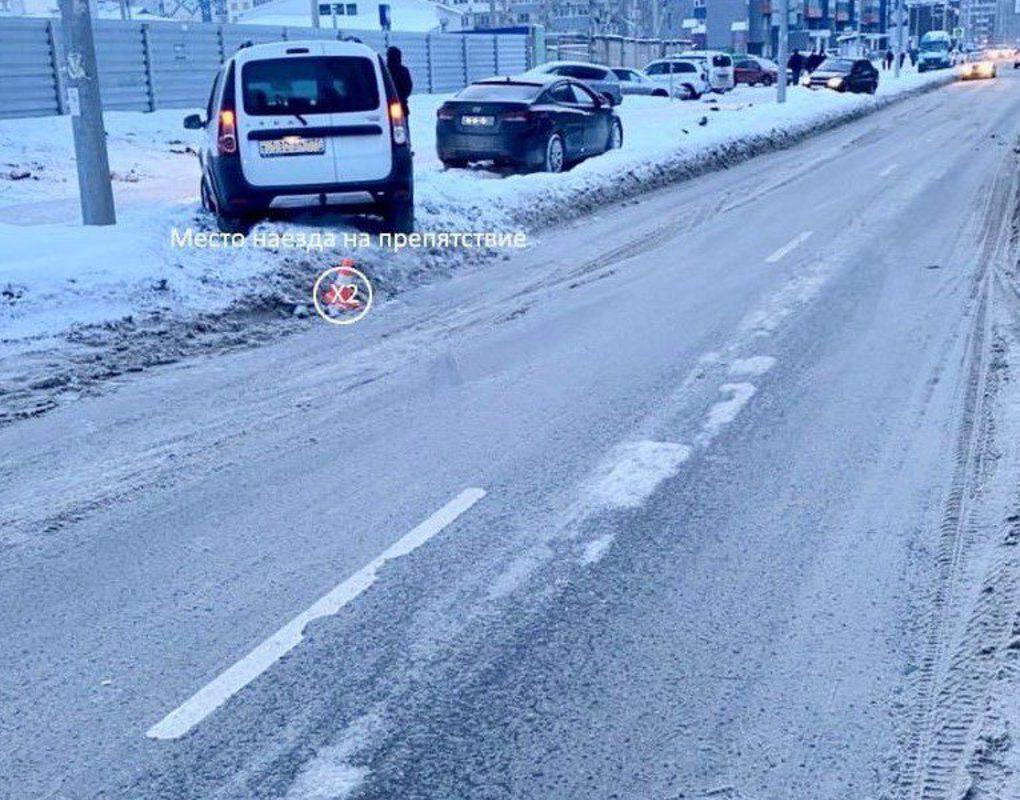На Карамзина школьник бросился под колеса машины