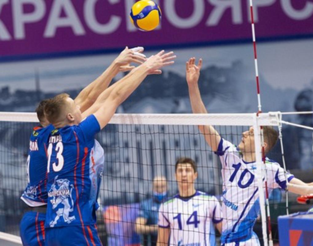 Волейбольный «Енисей» уступил в Санкт-Петербурге