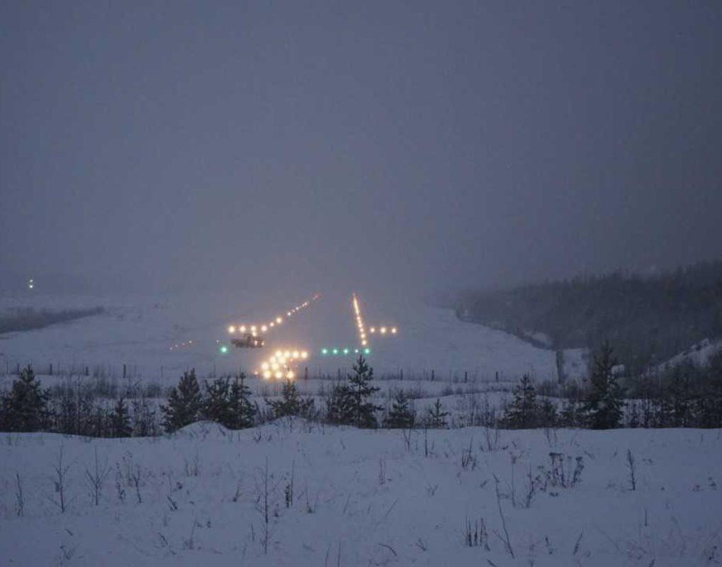 Взлёты и посадки в аэропорту Северо-Енисейского теперь можно совершать в любое время суток