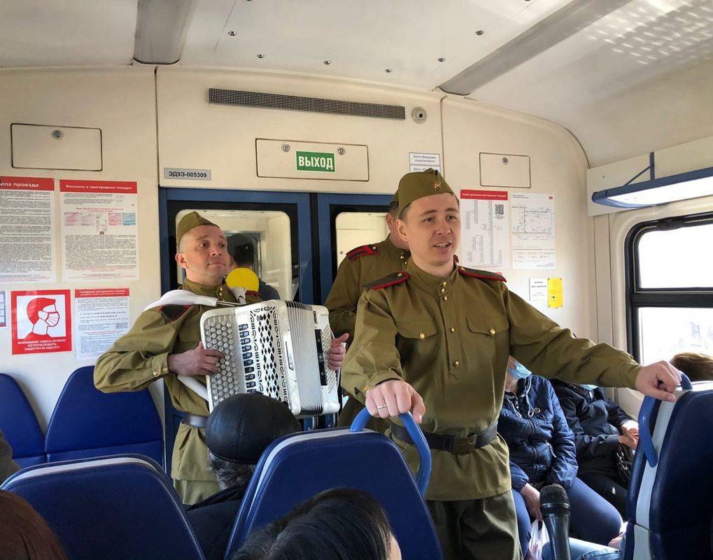 Сегодня из Красноярска отправилась Музыкальная фронтовая электричка