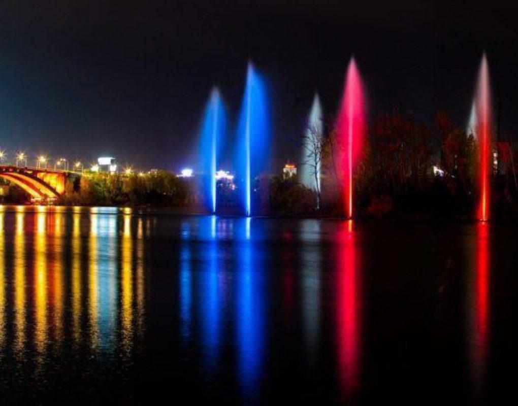 Речной фонтан на Енисее в Красноярске отработает последний раз