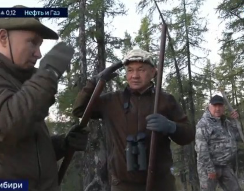 «Хорошо, что в нас не въехали»: Владимир Путин встретил маралов в сибирской тайге