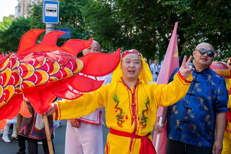 Праздничный карнавал в День города фото 11
