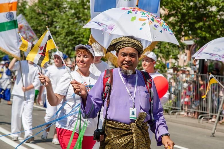 Праздничный карнавал в День города фото 8