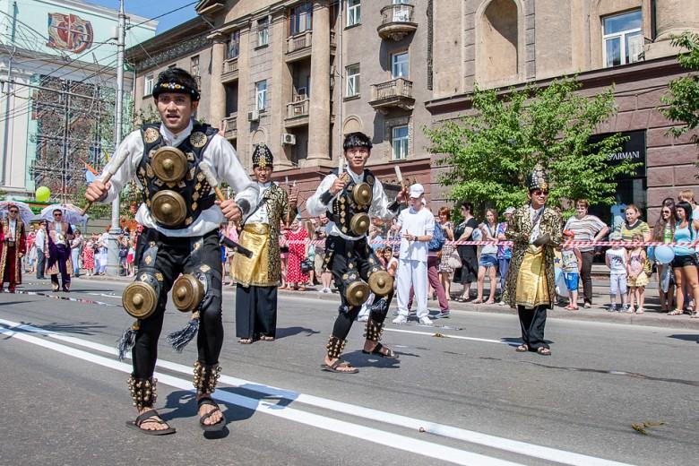 Праздничный карнавал в День города фото 9
