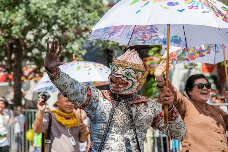 Праздничный карнавал в День города фото 6