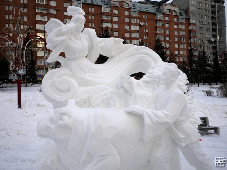Легко узнается работа китайских мастеров — в Сибирь они привезли национальный колорит.
