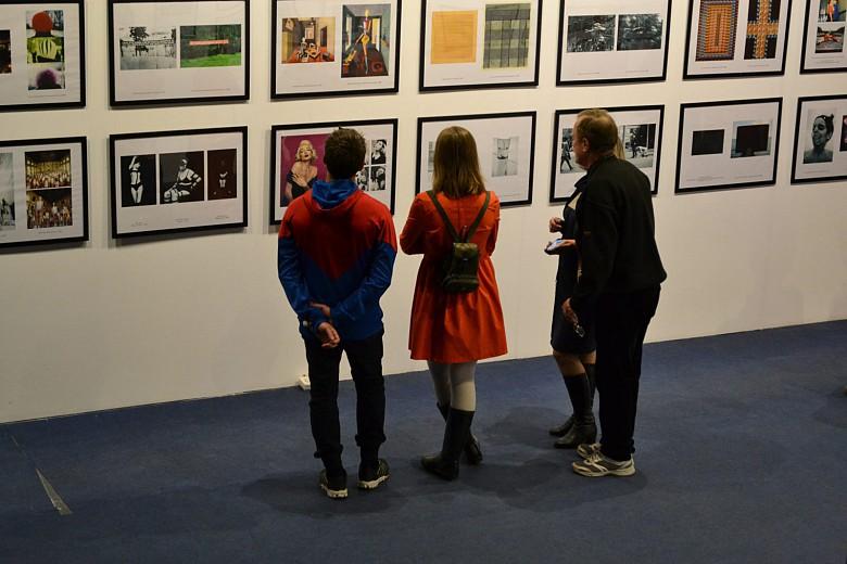 На красноярской биеннале показали «Практики соприкасания» фото 5