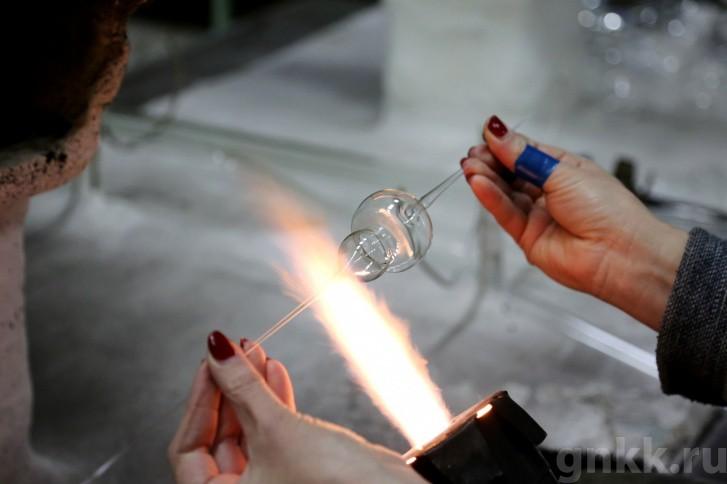 Подготовка к Новому году на красноярской фабрике игрушек «Бирюсинка» фото 49