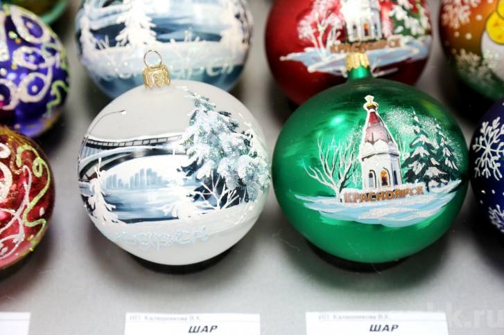 Подготовка к Новому году на красноярской фабрике игрушек «Бирюсинка» фото 38