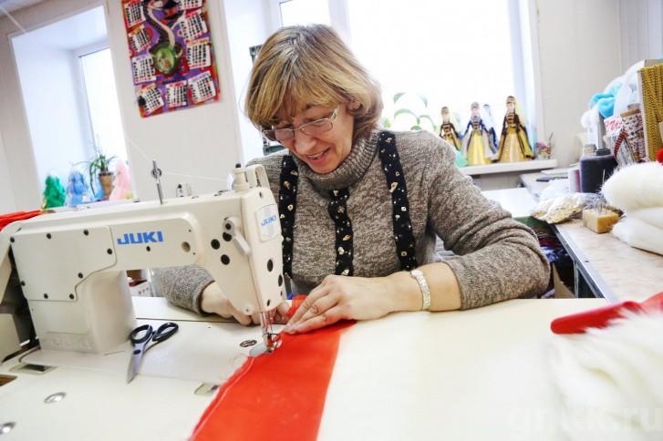 Подготовка к Новому году на красноярской фабрике игрушек «Бирюсинка» фото 27