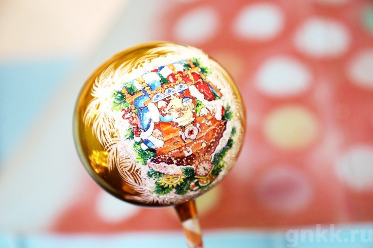 Подготовка к Новому году на красноярской фабрике игрушек «Бирюсинка» фото 32