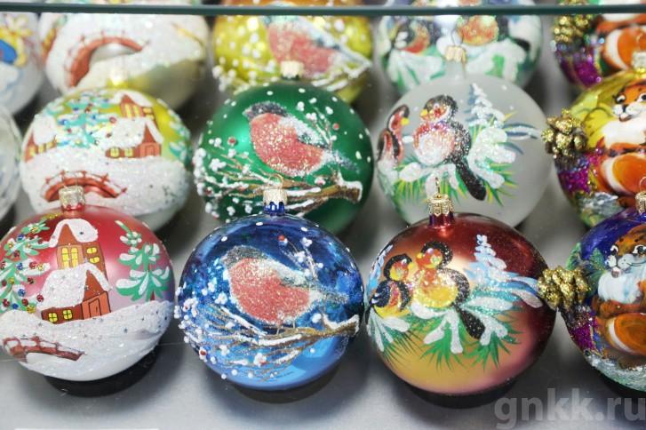 Подготовка к Новому году на красноярской фабрике игрушек «Бирюсинка» фото 42