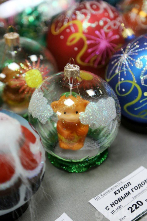 Подготовка к Новому году на красноярской фабрике игрушек «Бирюсинка» фото 36