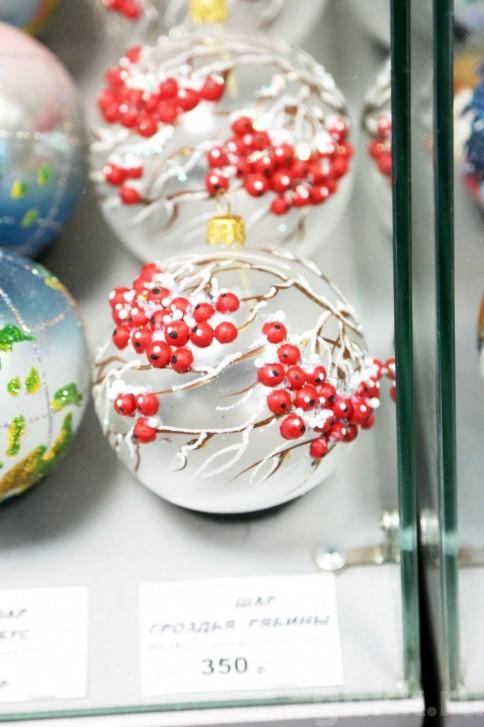 Подготовка к Новому году на красноярской фабрике игрушек «Бирюсинка» фото 40