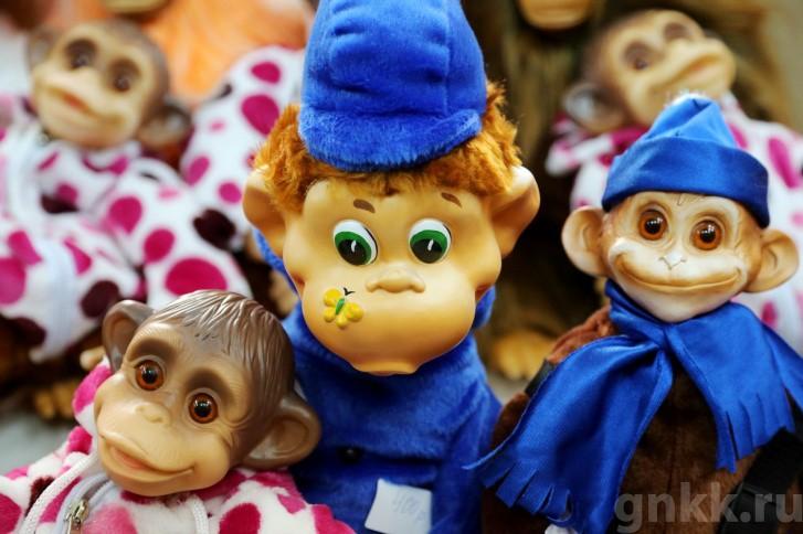 Подготовка к Новому году на красноярской фабрике игрушек «Бирюсинка» фото 8