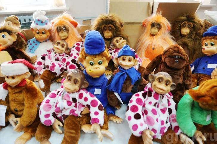 Подготовка к Новому году на красноярской фабрике игрушек «Бирюсинка» фото 9