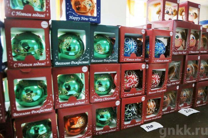 Подготовка к Новому году на красноярской фабрике игрушек «Бирюсинка» фото 7