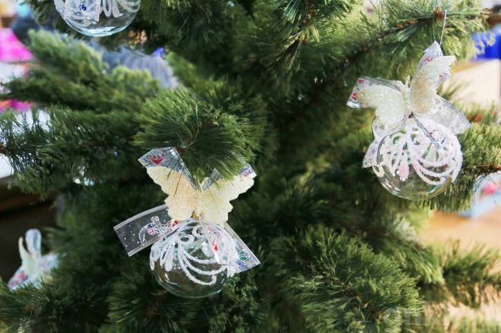 Подготовка к Новому году на красноярской фабрике игрушек «Бирюсинка» фото 2